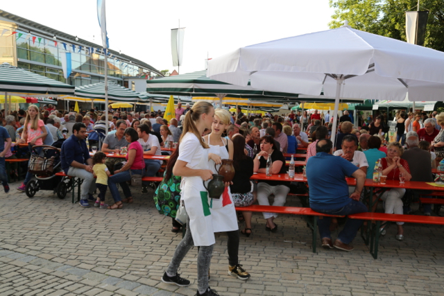 30. Weinfest Uffenheim 2016 - 14 von 21
