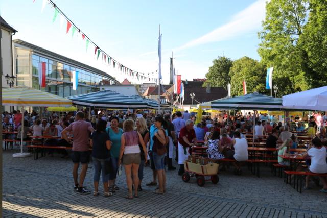 30. Weinfest Uffenheim 2016 - 20 von 21